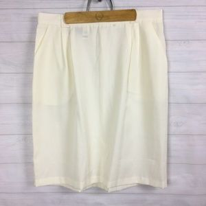 Requirements (J-04) Woman Plus Sz 20WP Ivory skirt